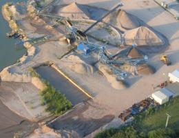 Letecký pohled na pískovnu